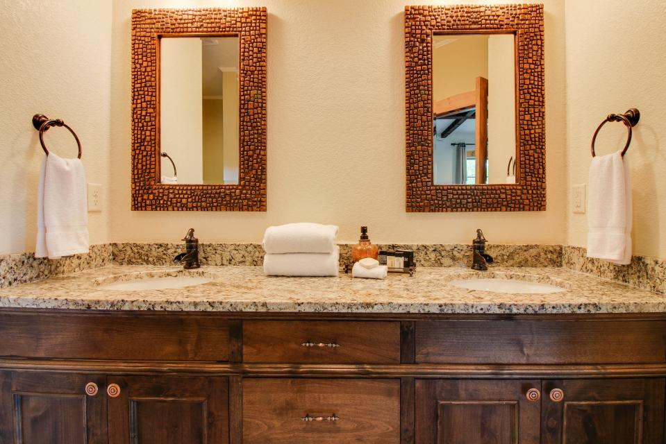 Wine Country Cottages on Main: Cuvee - Fredericksburg Vacation Rental - Photo 12