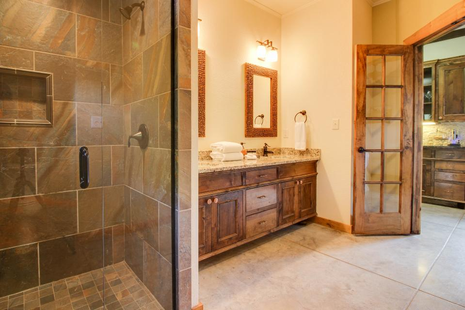 Wine Country Cottages on Main: Cuvee - Fredericksburg Vacation Rental - Photo 13