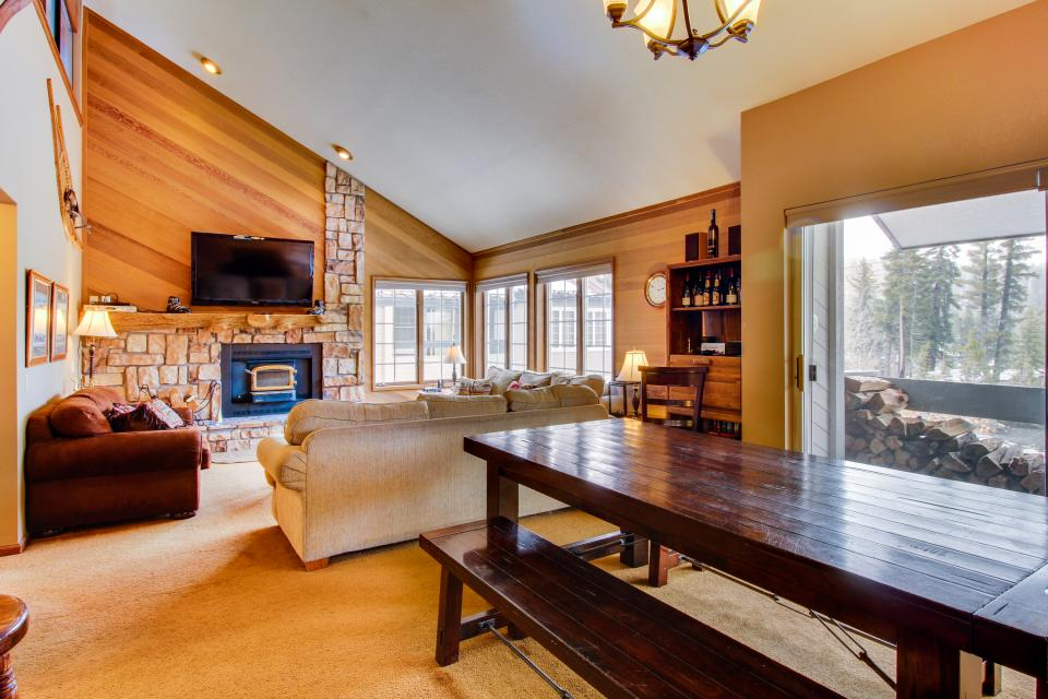 Sierra Megeve 13 - Mammoth Lakes Vacation Rental - Photo 6
