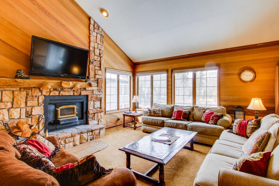 Sierra Megeve 13 - Mammoth Lakes Vacation Rental - Photo 1