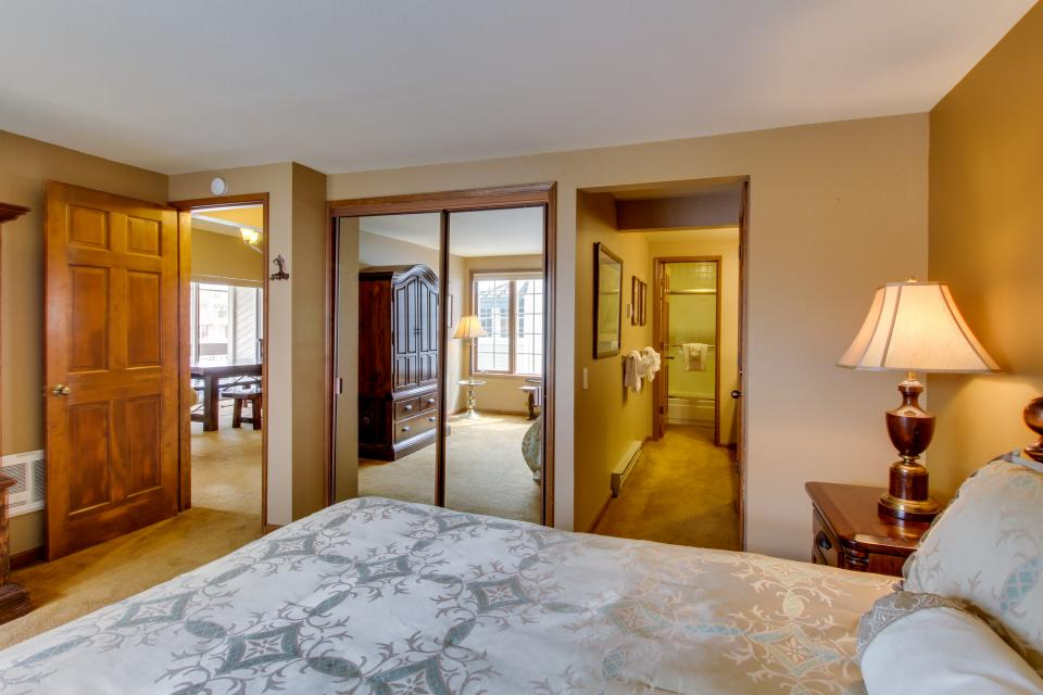 Sierra Megeve 13 - Mammoth Lakes Vacation Rental - Photo 12