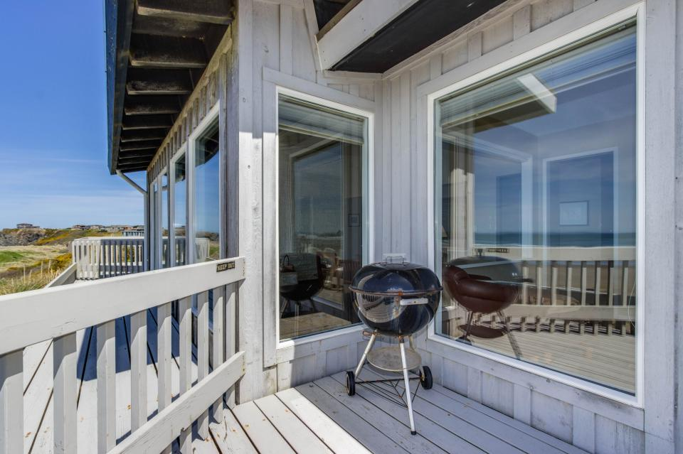 Spindrift Oceanfront Home - The Helm - Bandon Vacation Rental - Photo 15