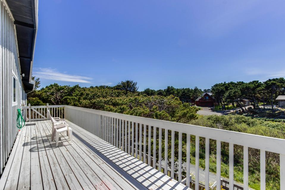 Spindrift Oceanfront Home - The Helm - Bandon Vacation Rental - Photo 22