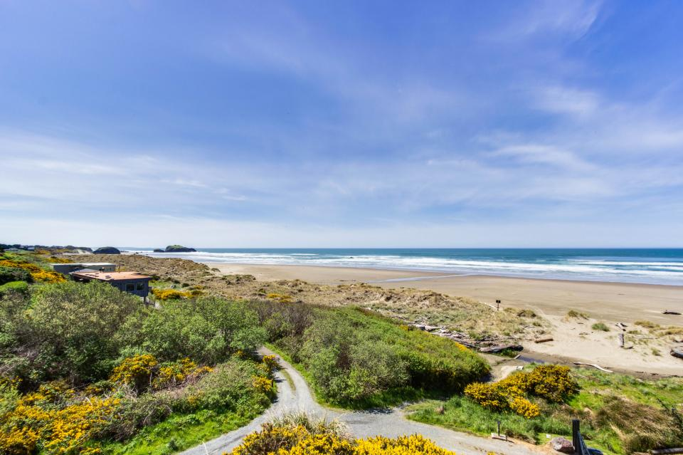 Spindrift Oceanfront Home - The Helm - Bandon Vacation Rental - Photo 23