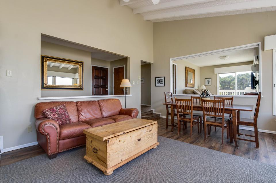 Spindrift Oceanfront Home - The Helm - Bandon Vacation Rental - Photo 6