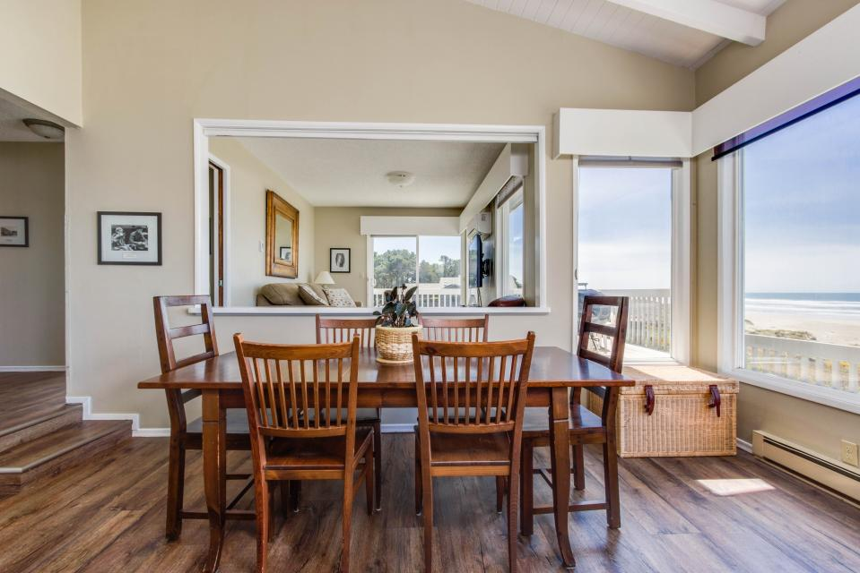 Spindrift Oceanfront Home - The Helm - Bandon Vacation Rental - Photo 7