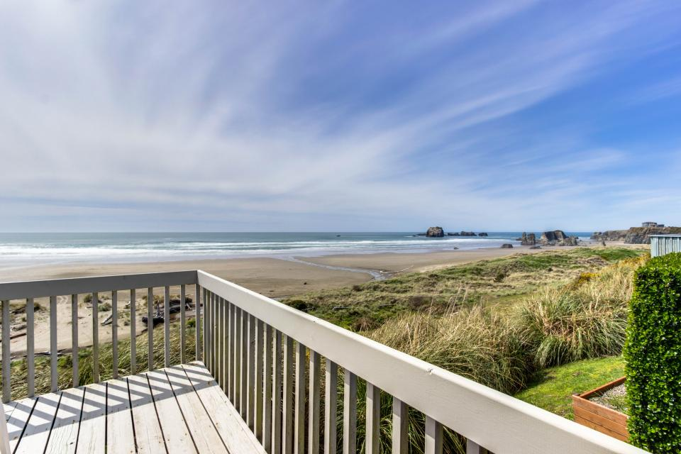 Spindrift Oceanfront Home - The Starboard - Bandon Vacation Rental - Photo 20
