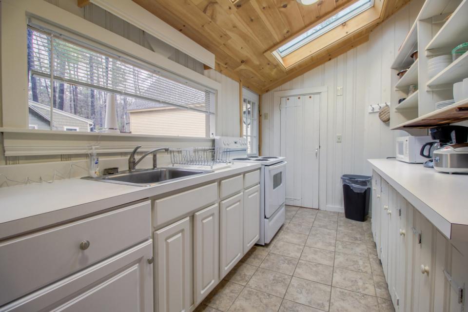 New Marblehead Lodge - Windham Vacation Rental - Photo 7