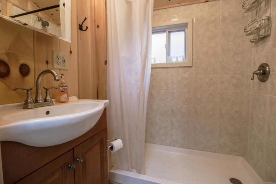 New Marblehead Lodge - Windham Vacation Rental - Photo 4