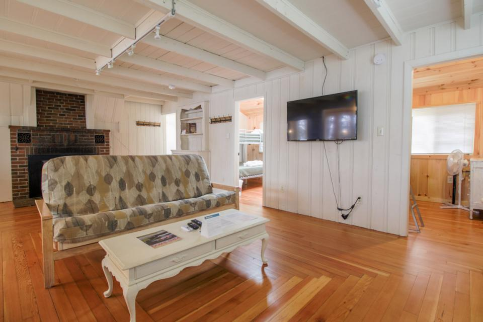 New Marblehead Lodge - Windham Vacation Rental - Photo 11