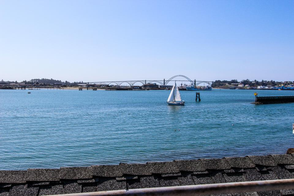 Embarcadero 401: Captain's Quarters - Newport Vacation Rental - Photo 14