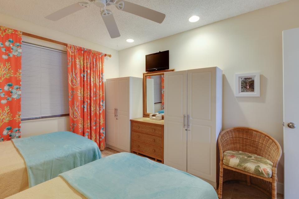 Harbor House Condo - Marathon Vacation Rental - Photo 15