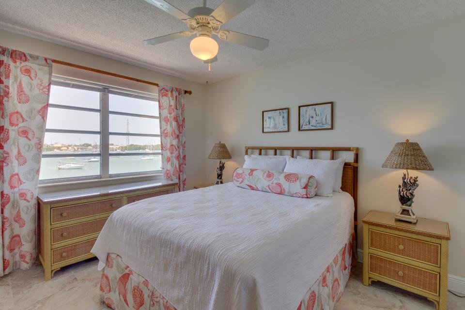 Harbor House Condo - Marathon Vacation Rental - Photo 13
