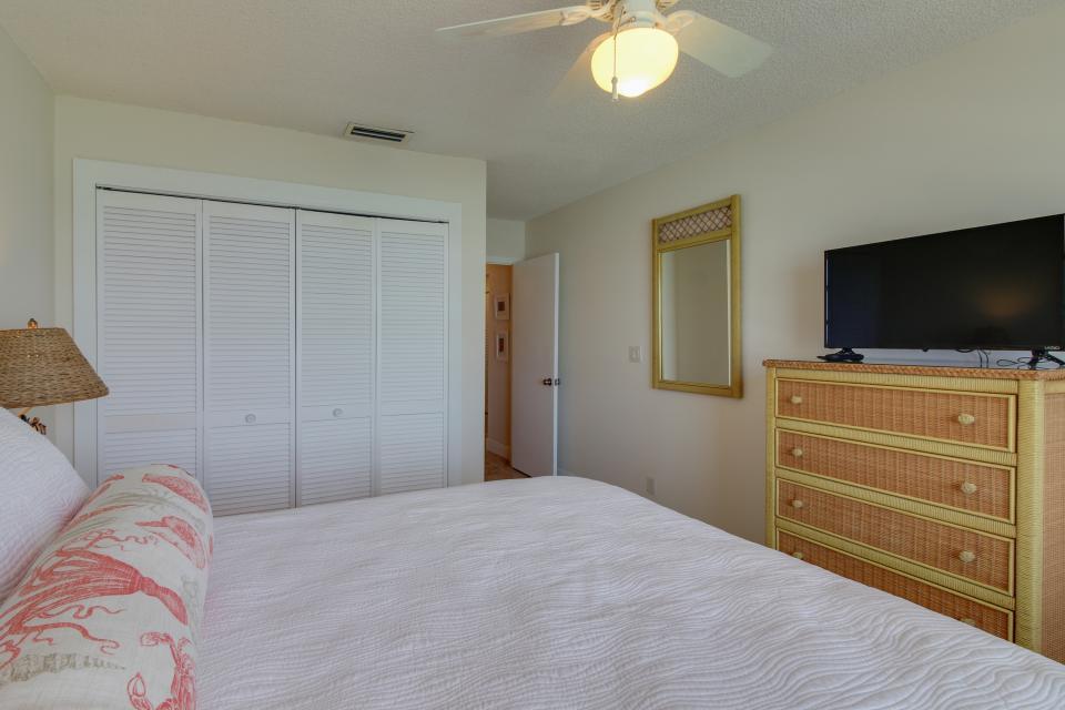 Harbor House Condo - Marathon Vacation Rental - Photo 26