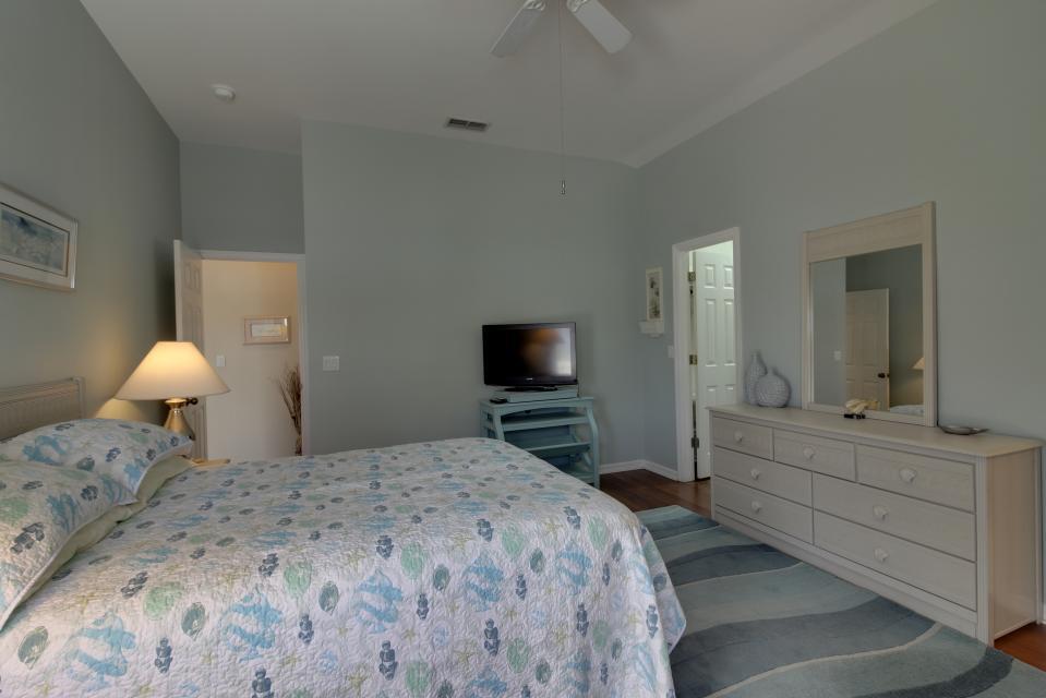 Heron's Nest Getaway - Fort Myers Vacation Rental - Photo 13