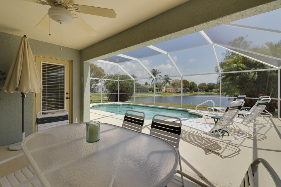 Heron's Nest Getaway - Fort Myers Vacation Rental - Photo 2