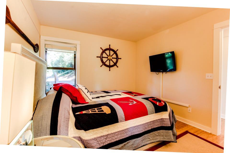 Embarcadero 401: Captain's Quarters - Newport Vacation Rental - Photo 10
