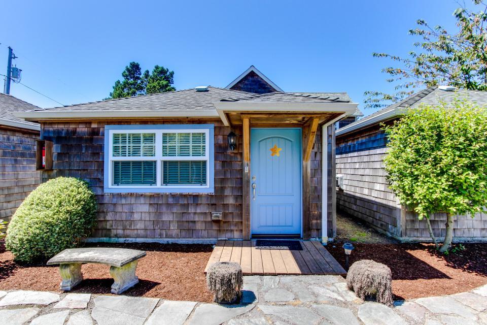 Hidden Villa Cottage #5 - The Sunflower Cottage - Cannon Beach - Take a Virtual Tour