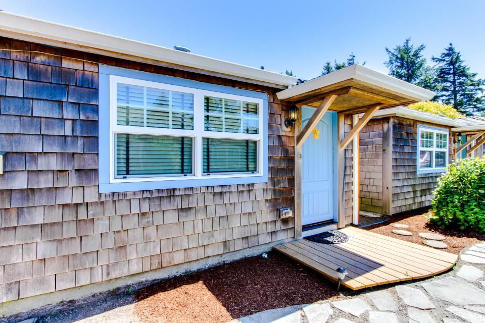 Hidden Villa Cottage #5 - The Sunflower Cottage - Cannon Beach Vacation Rental - Photo 20
