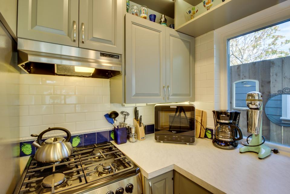 Brewmaster's Cottage - Portland Vacation Rental - Photo 10
