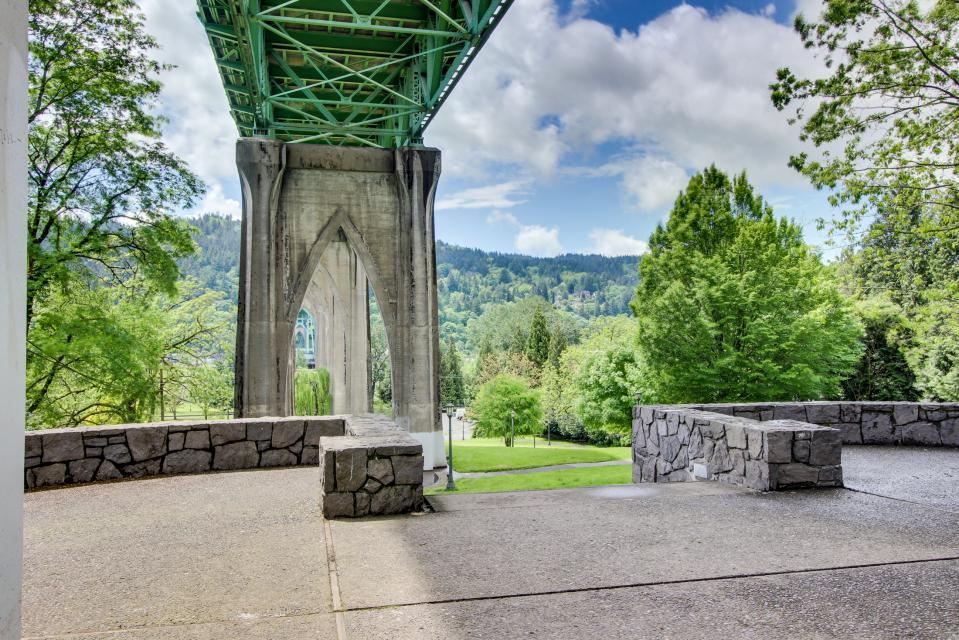 Brewmaster's Cottage - Portland Vacation Rental - Photo 46