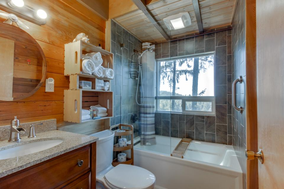 cannon beach tree house cannon beach vacation rental photo 10