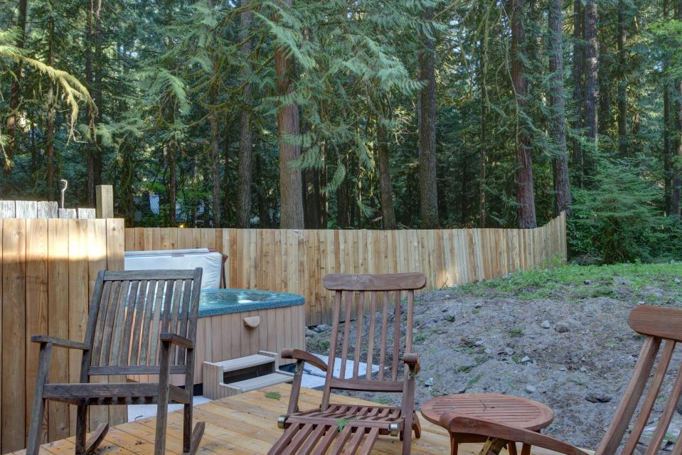 The Sharp Cabin - Rhododendron Vacation Rental - Photo 29