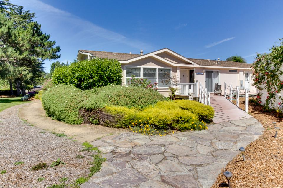 Mendocino Dunes - Sandrahla - Fort Bragg - Take a Virtual Tour
