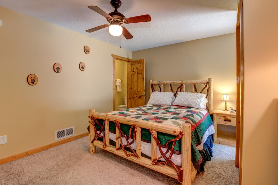 The Bird and  the Bear - Talking Rock Vacation Rental - Photo 45