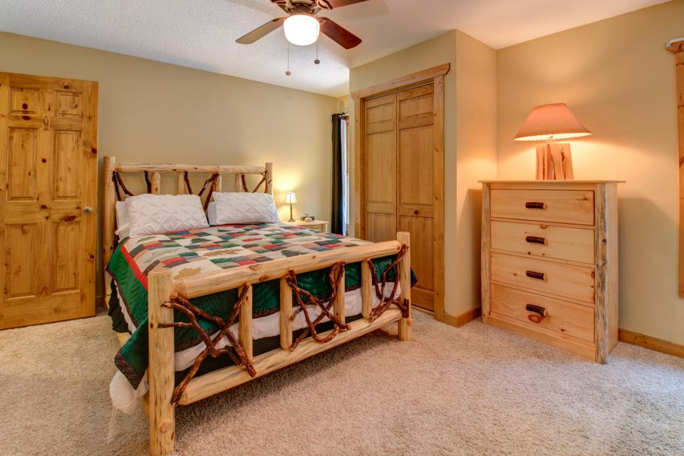 The Bird and  the Bear - Talking Rock Vacation Rental - Photo 44