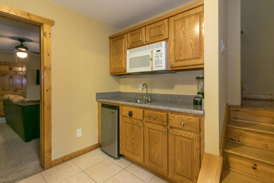 The Bird and  the Bear - Talking Rock Vacation Rental - Photo 34