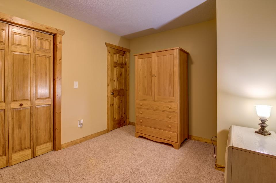 The Bird and  the Bear - Talking Rock Vacation Rental - Photo 43