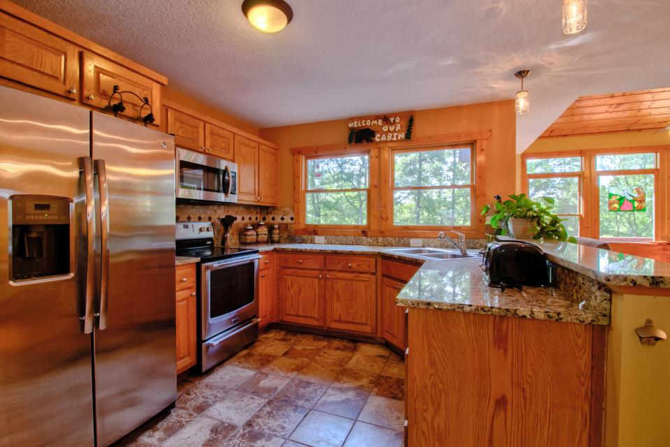 The Bird and  the Bear - Talking Rock Vacation Rental - Photo 33