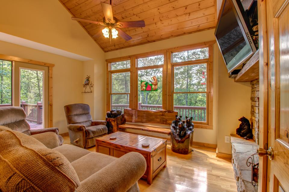 The Bird and  the Bear - Talking Rock Vacation Rental - Photo 28