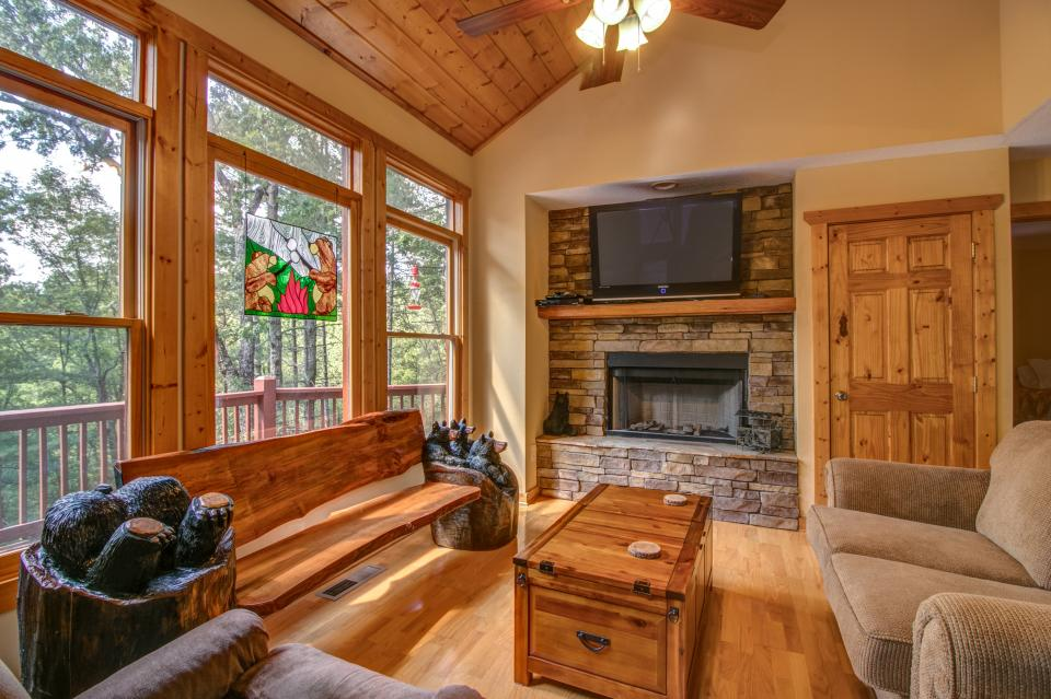 The Bird and  the Bear - Talking Rock Vacation Rental - Photo 27