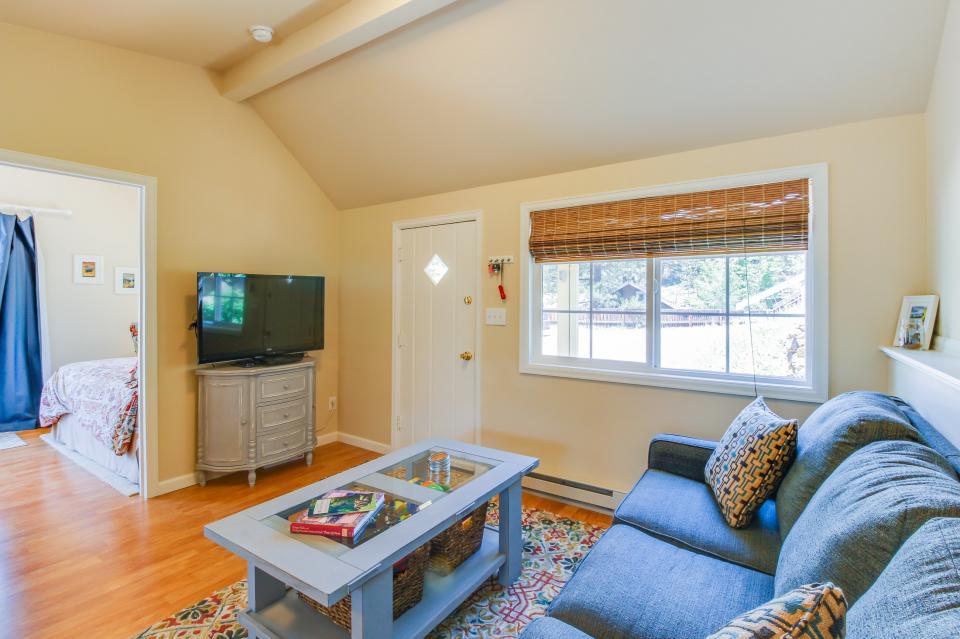 Hilltop Cottage Retreat