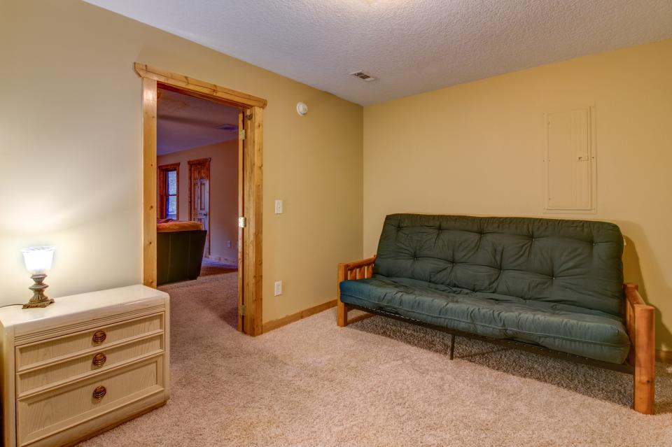 The Bird and  the Bear - Talking Rock Vacation Rental - Photo 22