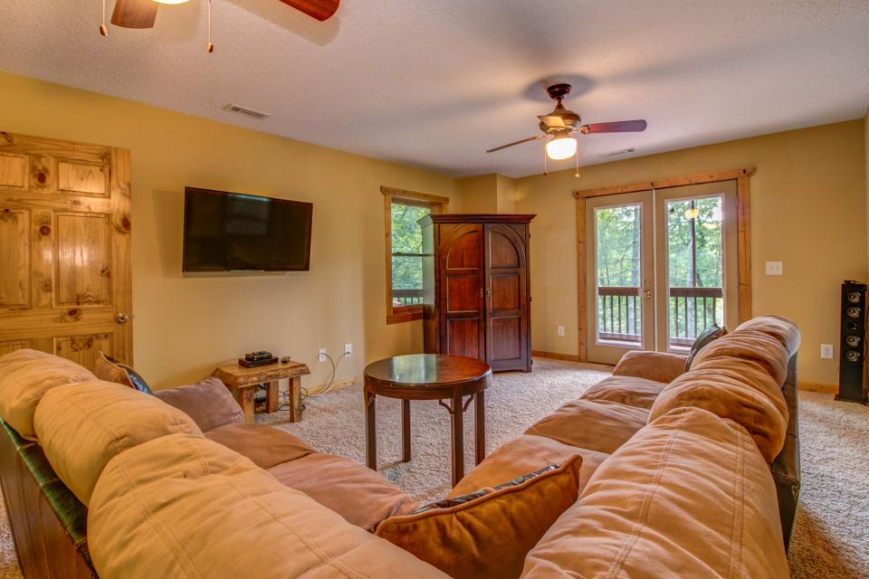The Bird and  the Bear - Talking Rock Vacation Rental - Photo 12