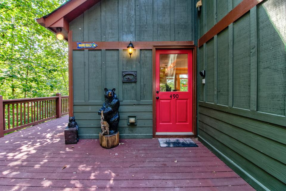 The Bird and  the Bear - Talking Rock Vacation Rental - Photo 11
