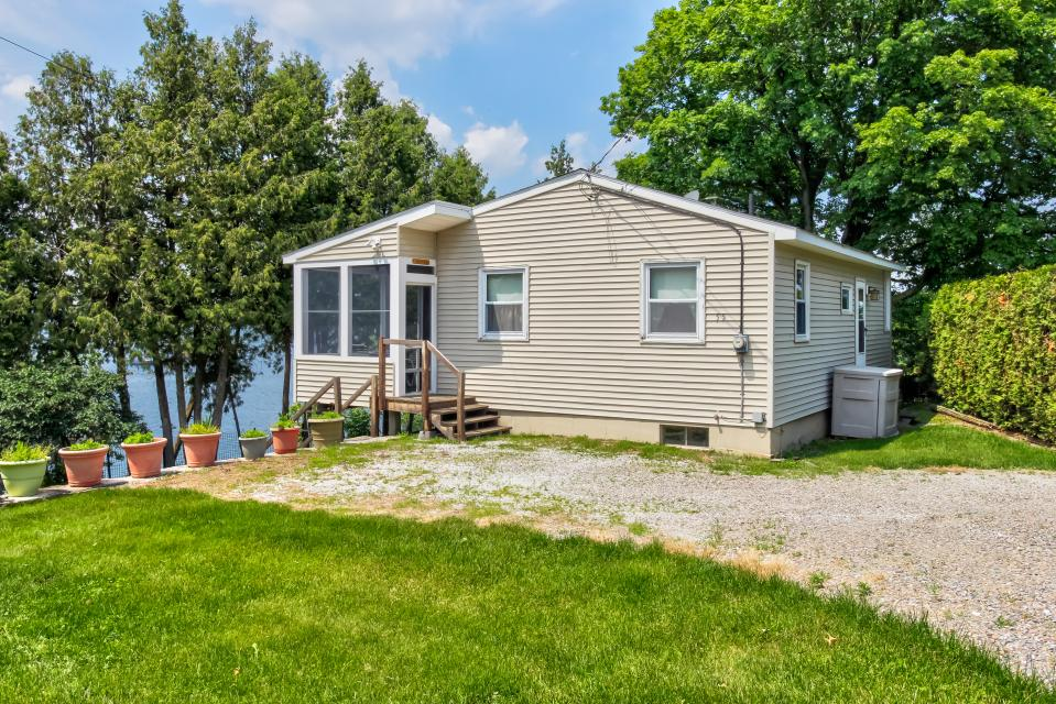 Cozy Cottage - South Hero Vacation Rental - Photo 20