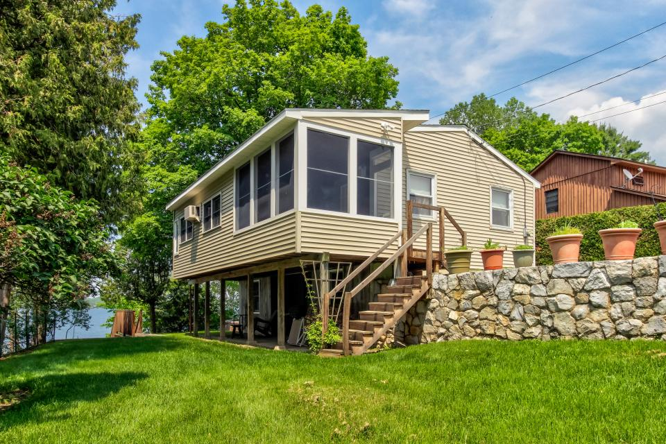 Cozy Cottage - South Hero Vacation Rental - Photo 2