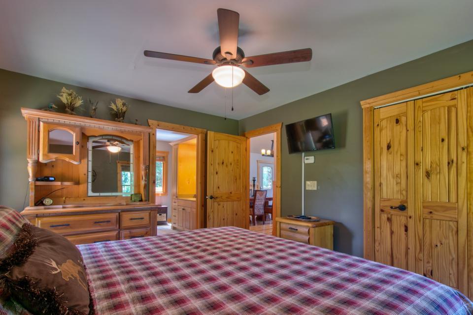 Wilderness Lodge - Ellijay Vacation Rental - Photo 45