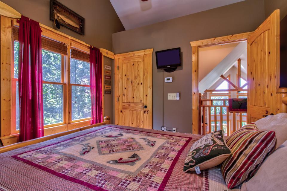 Wilderness Lodge - Ellijay Vacation Rental - Photo 20