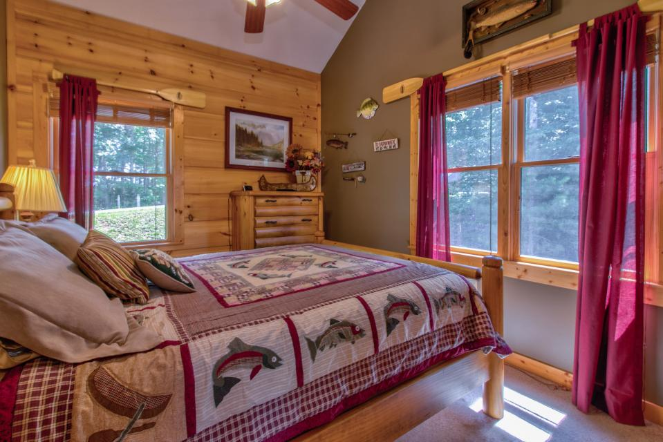 Wilderness Lodge - Ellijay Vacation Rental - Photo 19