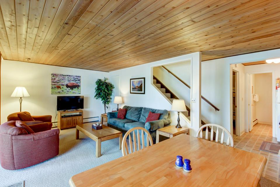 Bay Point Lakefront 2C Down - Whitefish Vacation Rental - Photo 6