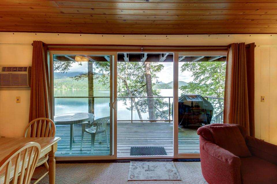 Bay Point Lakefront 2C Down - Whitefish Vacation Rental - Photo 8