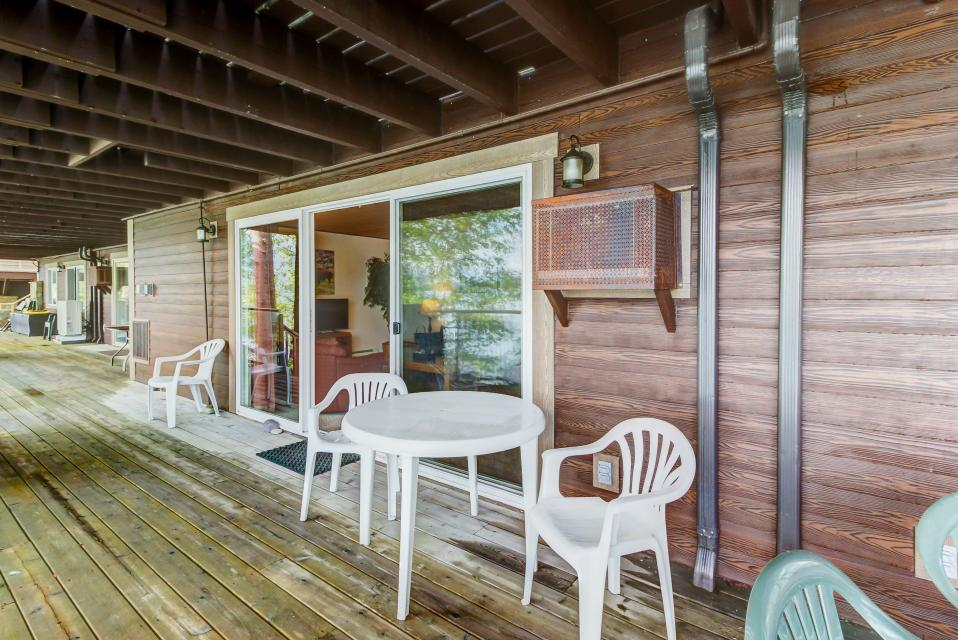 Bay Point Lakefront 2C Down - Whitefish Vacation Rental - Photo 20
