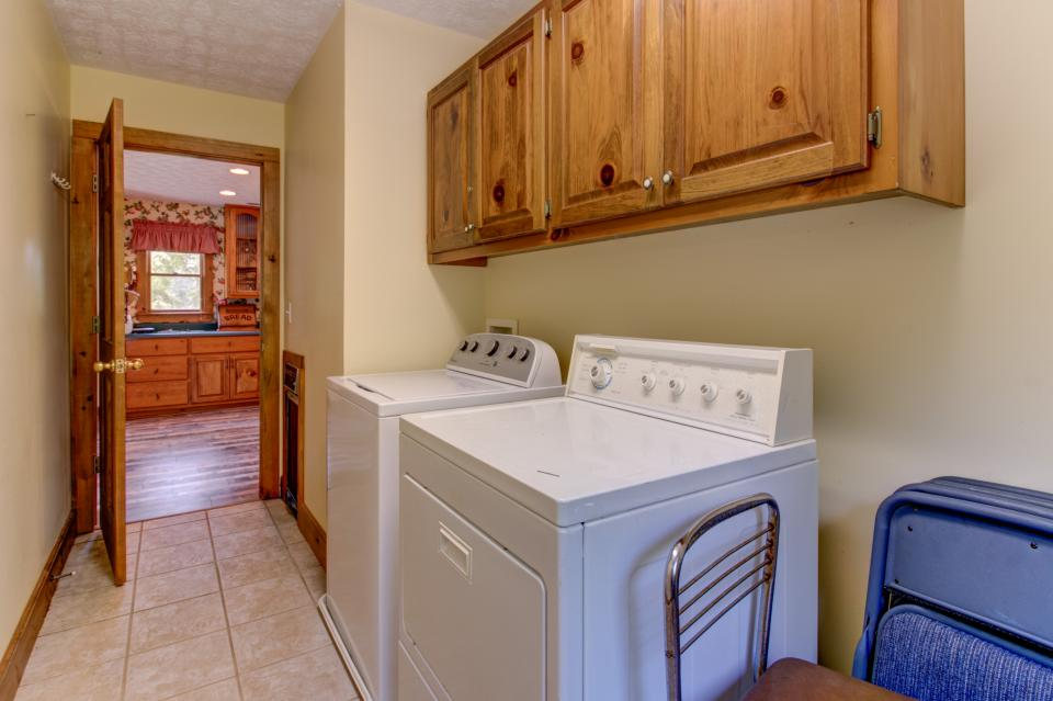 Weeks Creek Lodge - Blue Ridge Vacation Rental - Photo 43