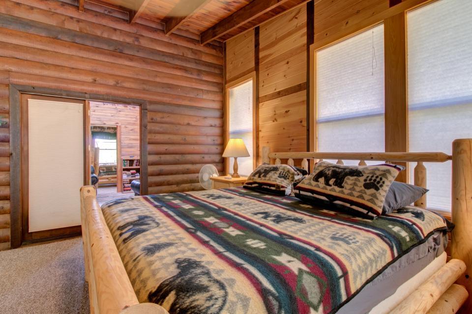 Weeks Creek Lodge - Blue Ridge Vacation Rental - Photo 41