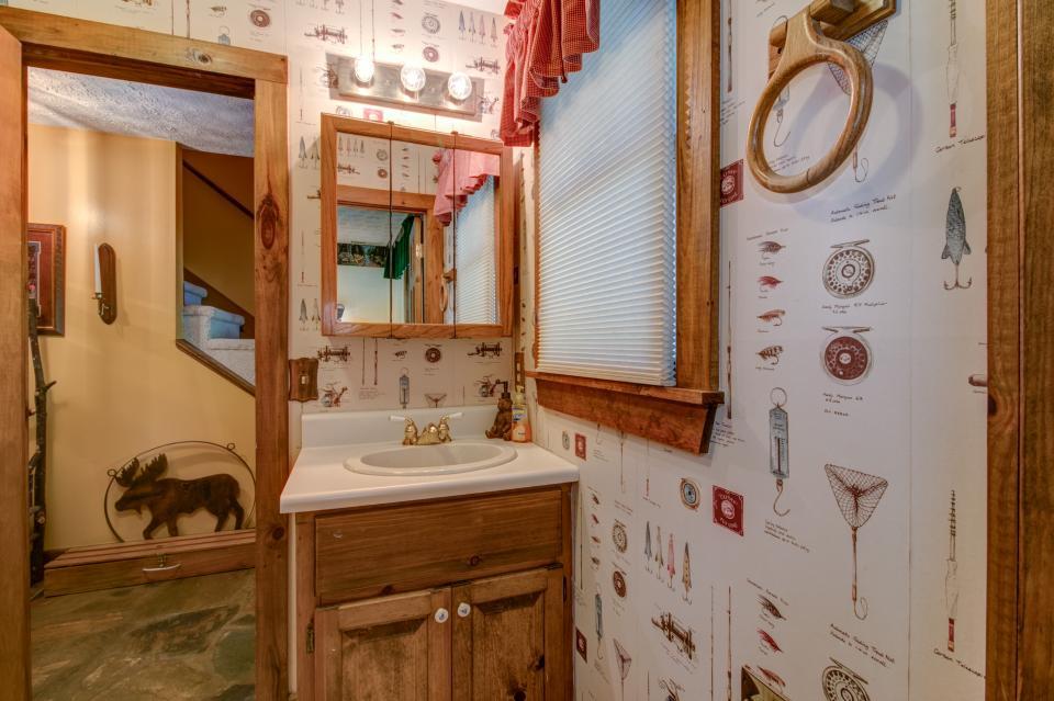 Weeks Creek Lodge - Blue Ridge Vacation Rental - Photo 39